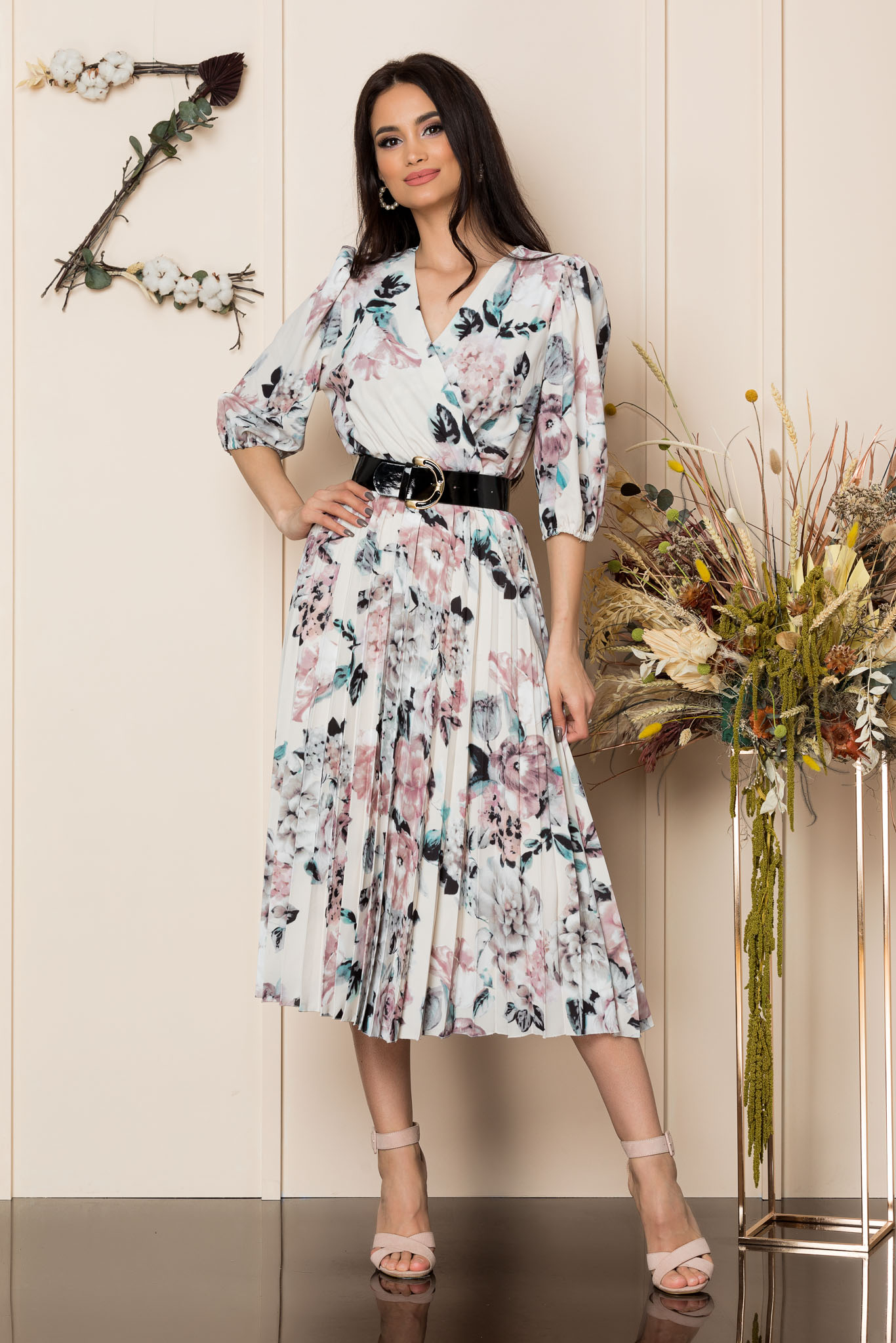Rochie Cryna Nude Floral