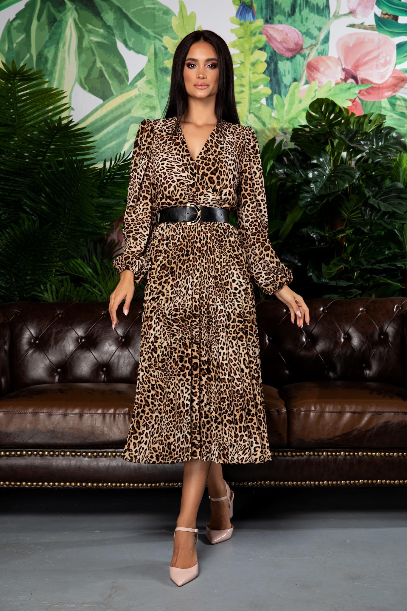 rochie midi eleganta cu animal print 3