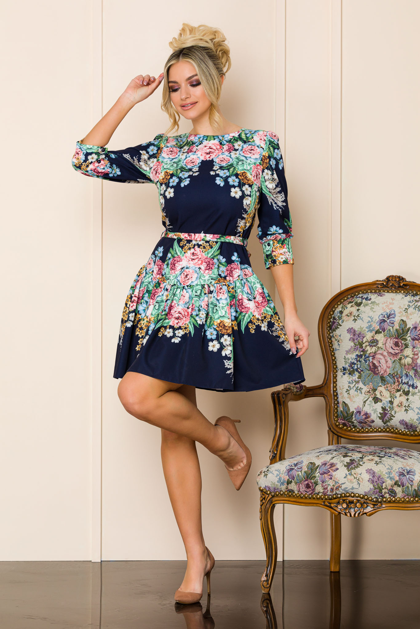 rochie scurta eleganta scurta bleumarin cu flori 2